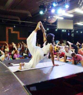 Обучающий курс на инструктора по йоге от Равиндера Джангры